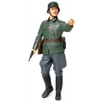 TAMIYA - GERMAN FIELD COMMANDER SOLDATO TEDESCO WWII 1:16